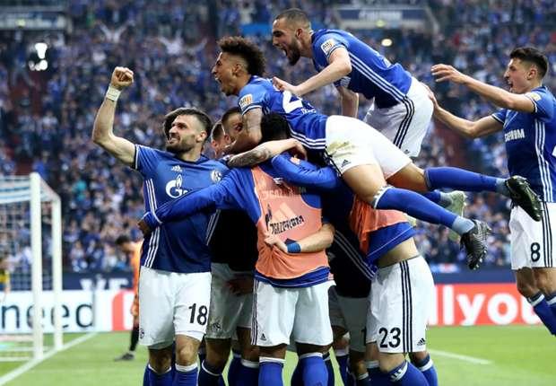 Schalke 04-Borussia Dortmund 2-0, Dortmund perd le derby et Batshuayi