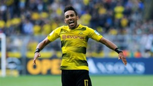 Pierre-Emerick Aubameyang celebrates