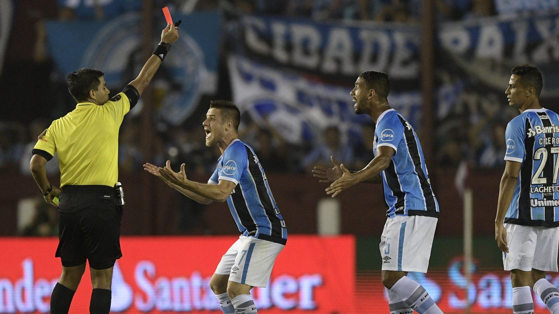 Ramiro cartao vermelho Gremio Copa Libertadores 29112017