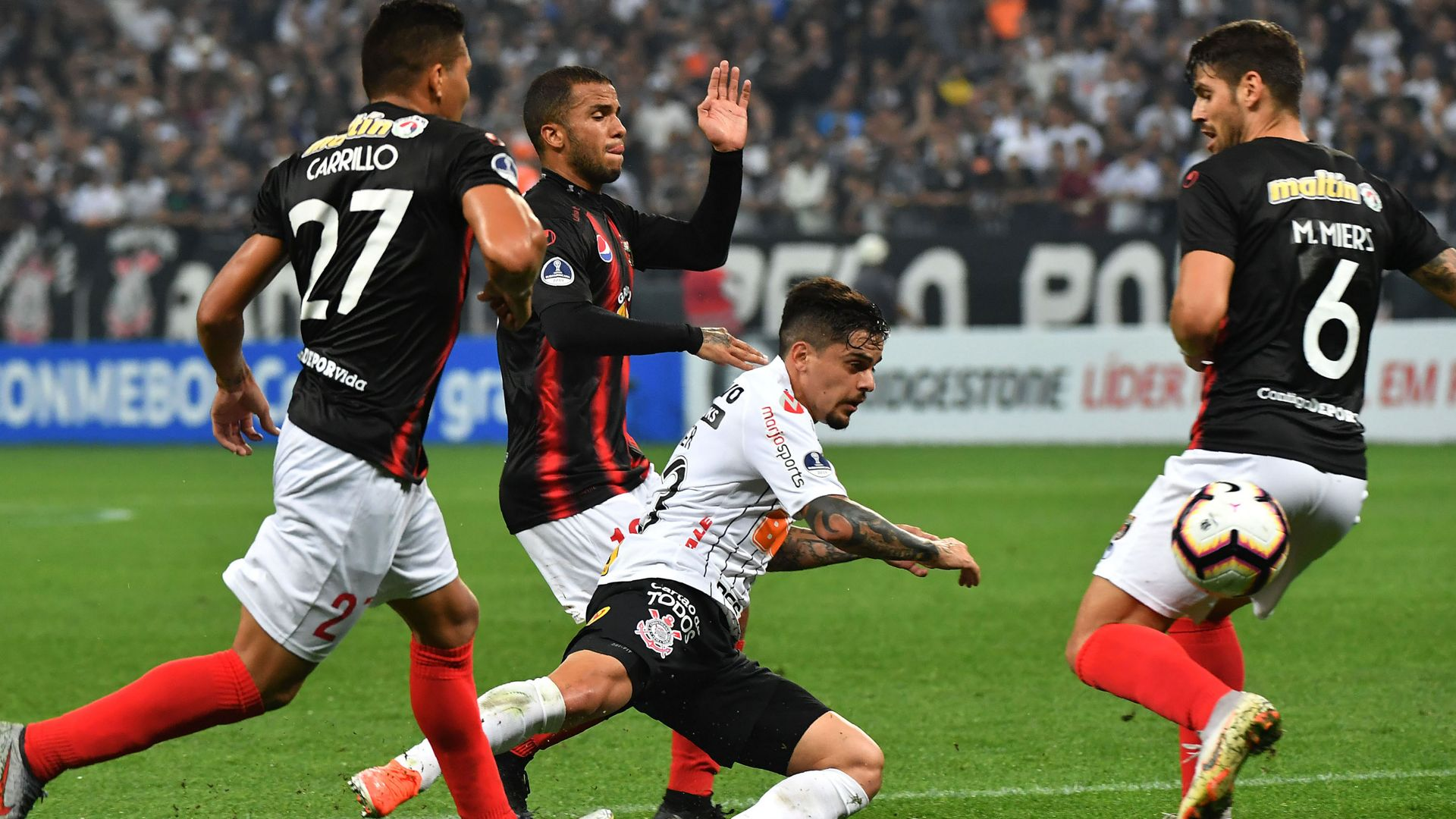 Fagner Corinthians Deportivo Lara Sudamericana 23052019