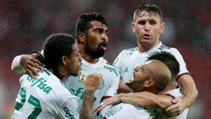 Thiago Santos Fabiano Keno Felipe Melo Internacional Palmeiras 31052017