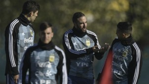 Higuain Argentina entrenamiento 24052018