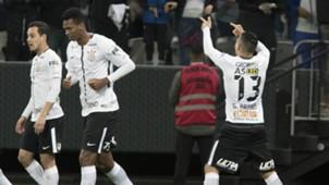 Rodriguinho, Guilherme Arana e Jô - Corinthians - 5/08/2017