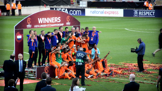 德国联赛u17_新郁金香绽放!U17欧洲杯决赛 荷兰点球4-1意大利夺冠 | Goal.com