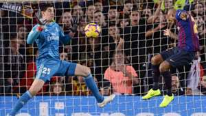 281018 Barcelona Real Madrid Thibaut Courtois Arturo Vidal