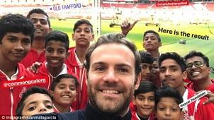 Juan-Mata-Manchester-United-charity-1
