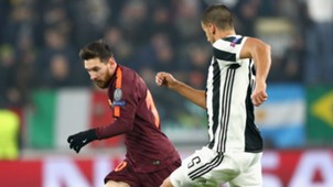 Messi Khedira Juventus Barcelona Champions League 11222017