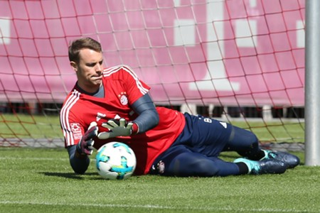 *GER ONLY / NO GAL* Manuel Neuer FC Bayern München Training