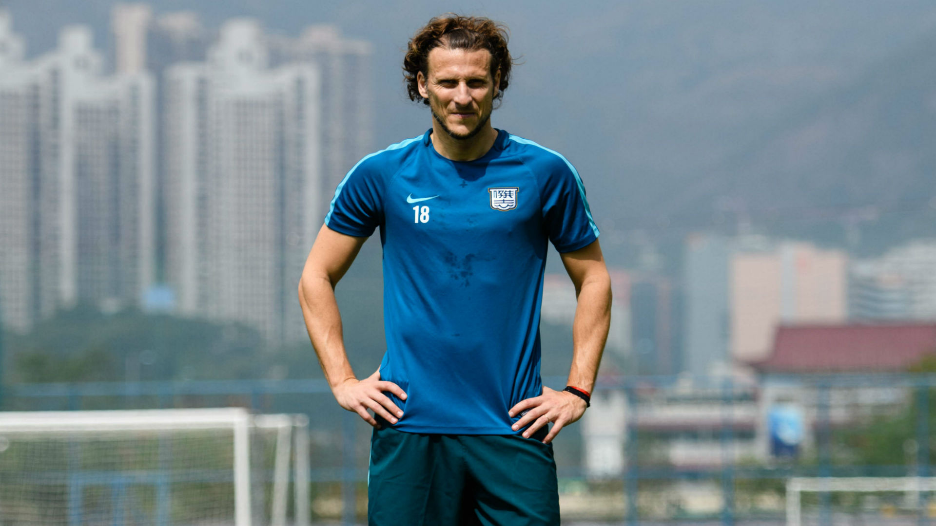 Uruguay star and former Manchester United player Diego Forlan retires