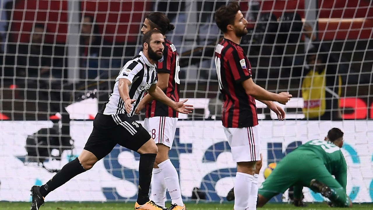 Gonzalo Higuain Milan Juventus 10282017