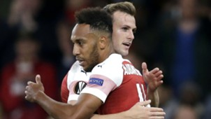 Pierre-Emerick Aubameyang Rob Holding Arsenal