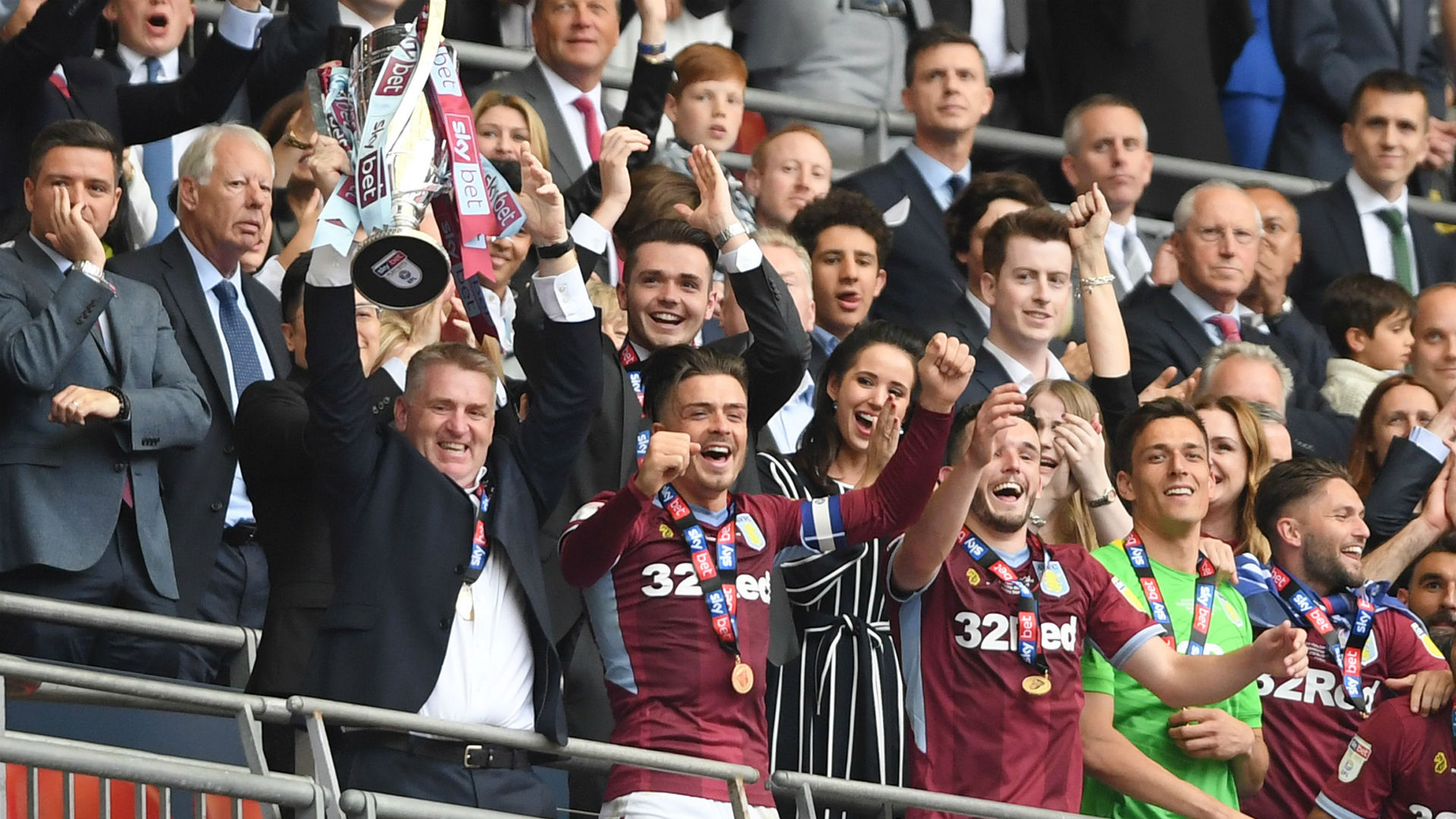 Dean Smith Aston Villa celebrate
