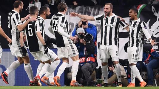 Juventus celebrating vs Tottenham Champions League