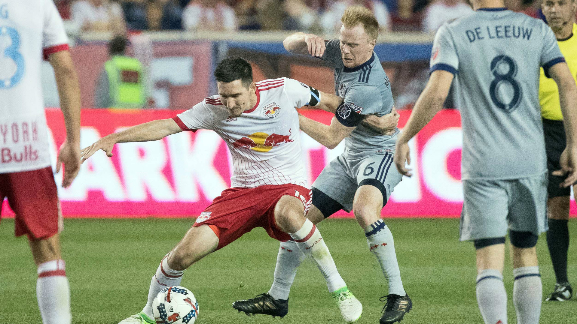Sacha Kljestan Dax McCarty MLS 09082017