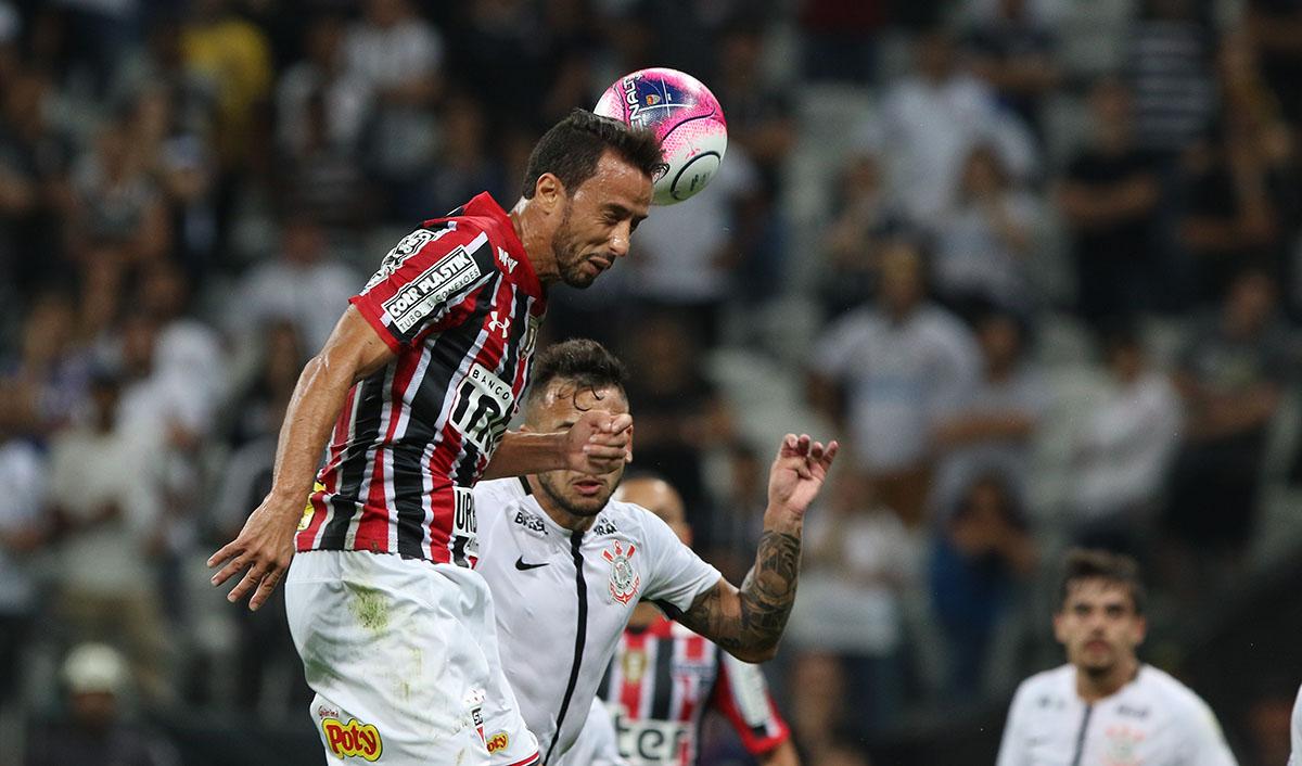 Campeonato Brasileiro  São Paulo recebe o Corinthians e é favorito ... 92ed9ad7d7138