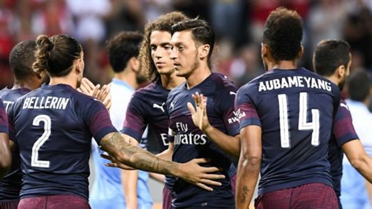 Mesut Ozil Pierre-Emerick Aubameyang Hector Bellerin Arsenal