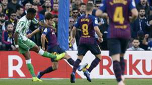 Junior Firpo Barcelona vs Real Betis La Liga 2018-19