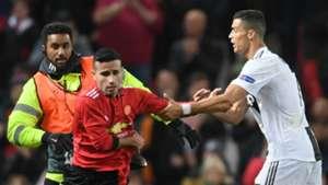 Cristiano Ronaldo Manchester United pitch invader