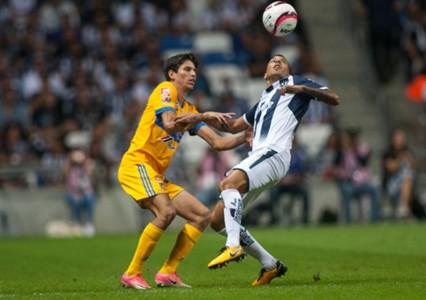 Jurgen Damm Leonel Vangioni Tigres Monterrey 041217
