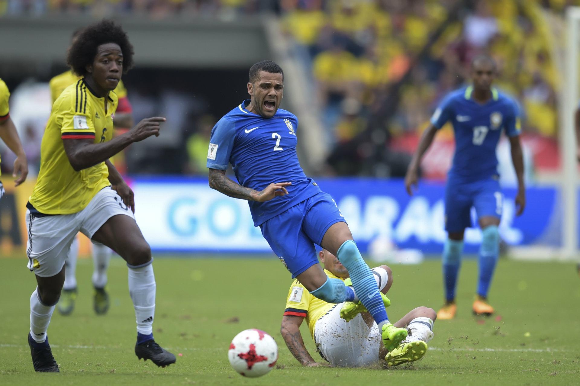 Dani Alves Colombia vs Brasil 050917