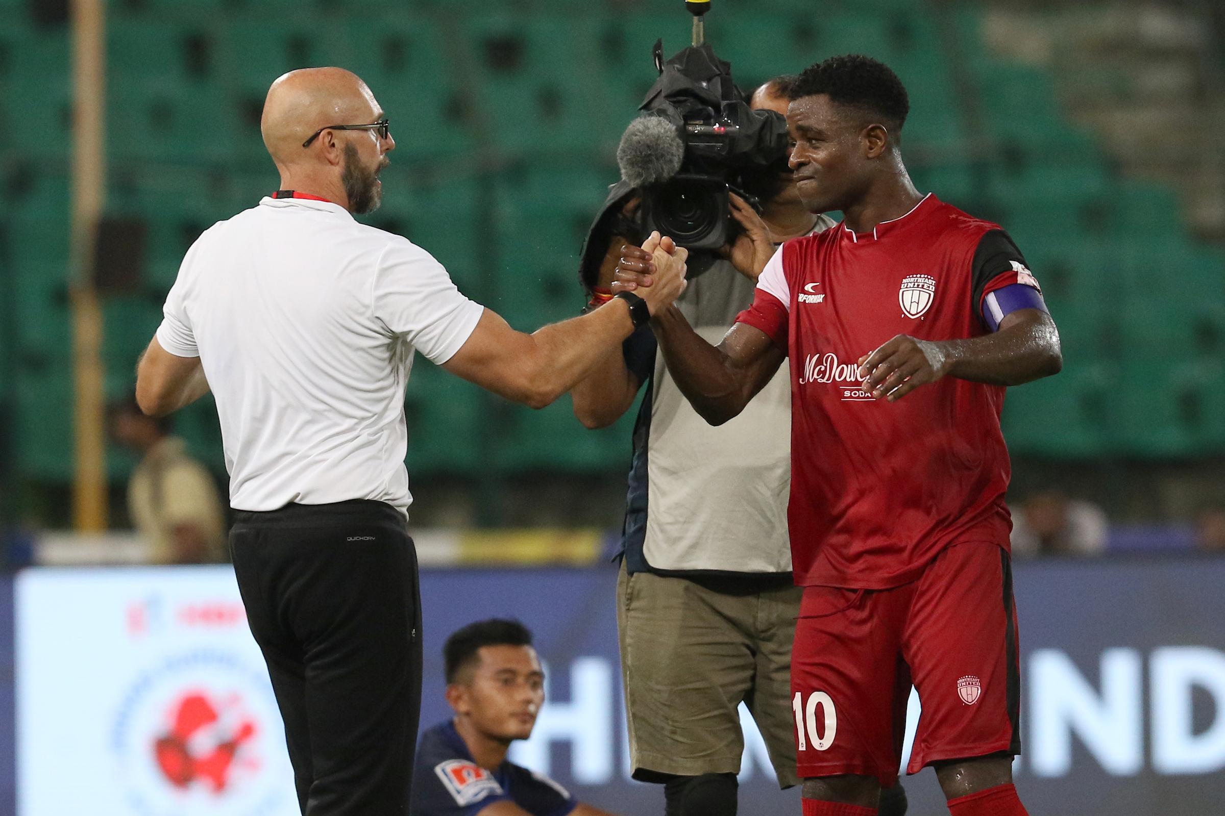 Eelco Schattorie Bartholomew Ogbeche Chennaiyin FC NorthEast United ISL 2018-19