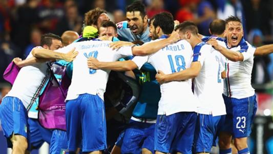 Italy celebrating vs Belgio