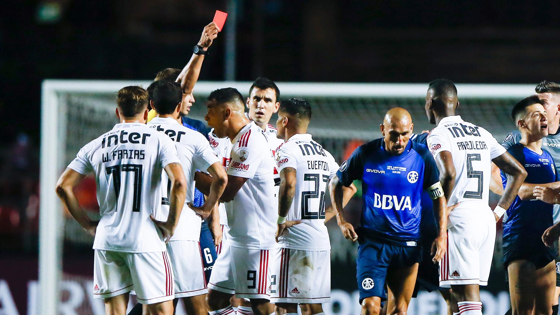 Éverton expulso São Paulo Talleres Copa Libertadores 13022019
