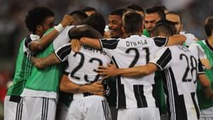 Juventus celebrating vs Lazio Coppa Italia