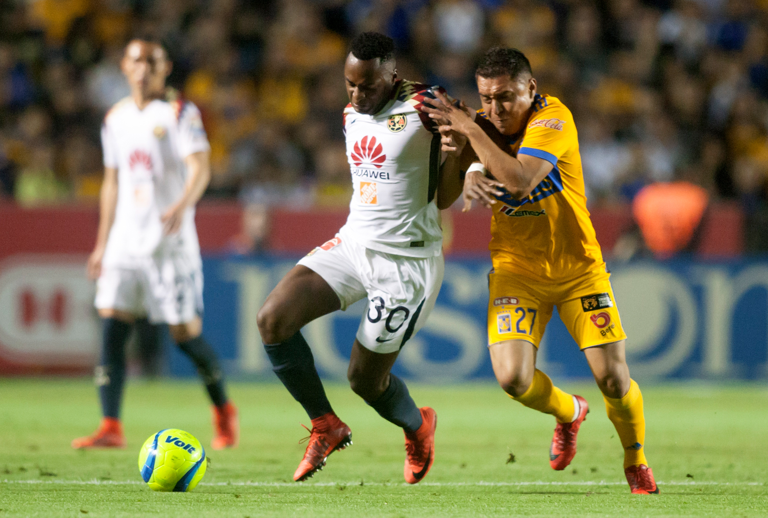 Lobos BUAP empató 0-0 con Tigres