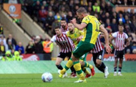 Jordan Rhodes Norwich City vs Brentford