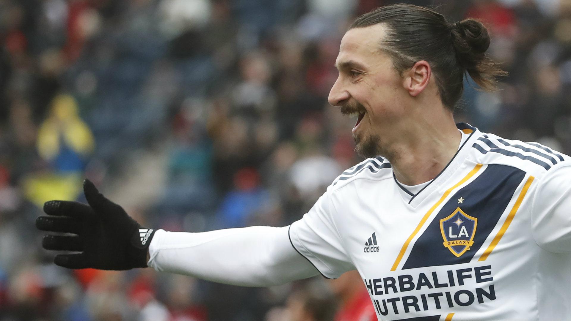 Zlatan Ibrahimovic posó con playera del América