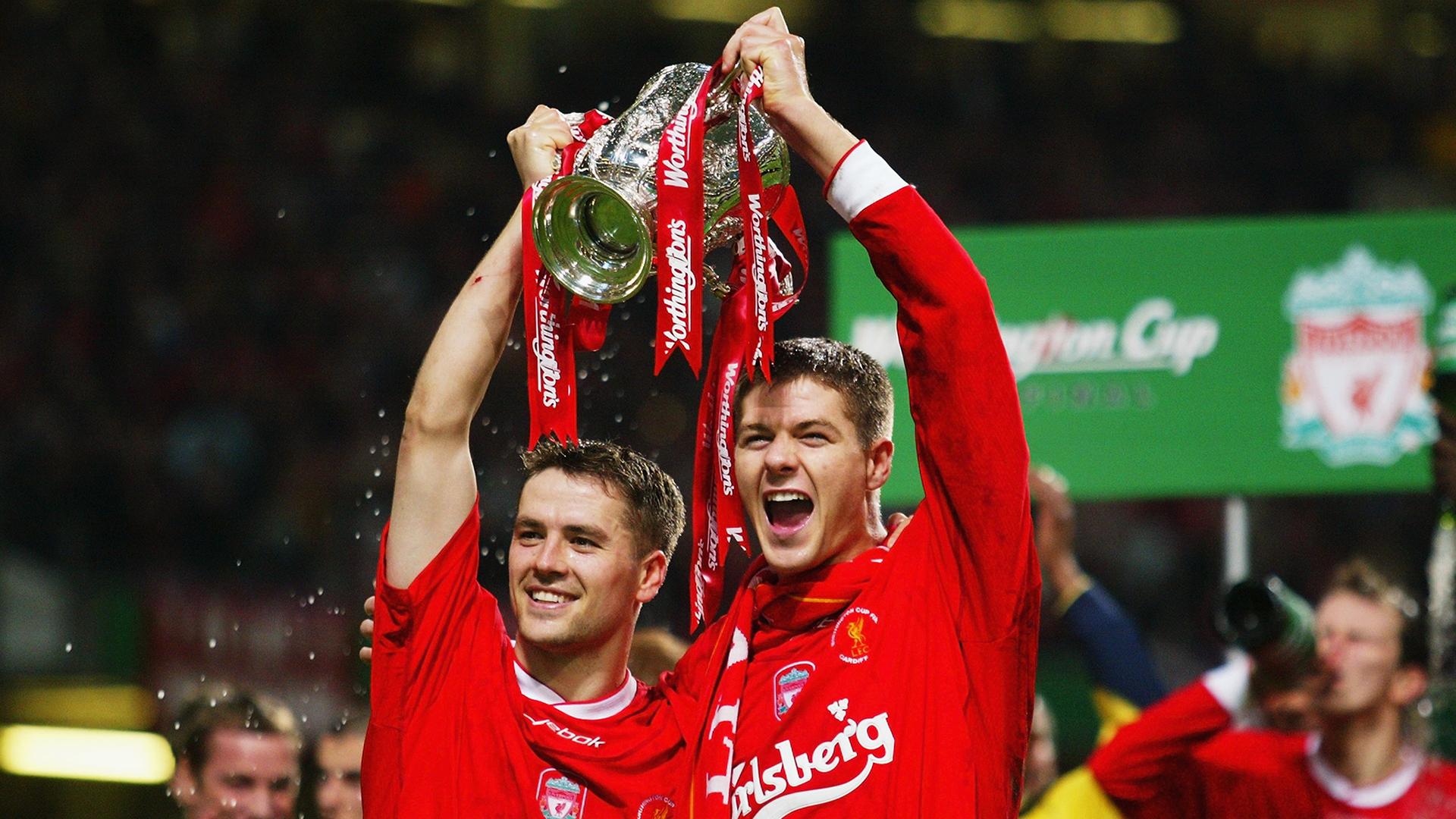 Steven Gerrard Michael Owen Manchester United Liverpool 2001