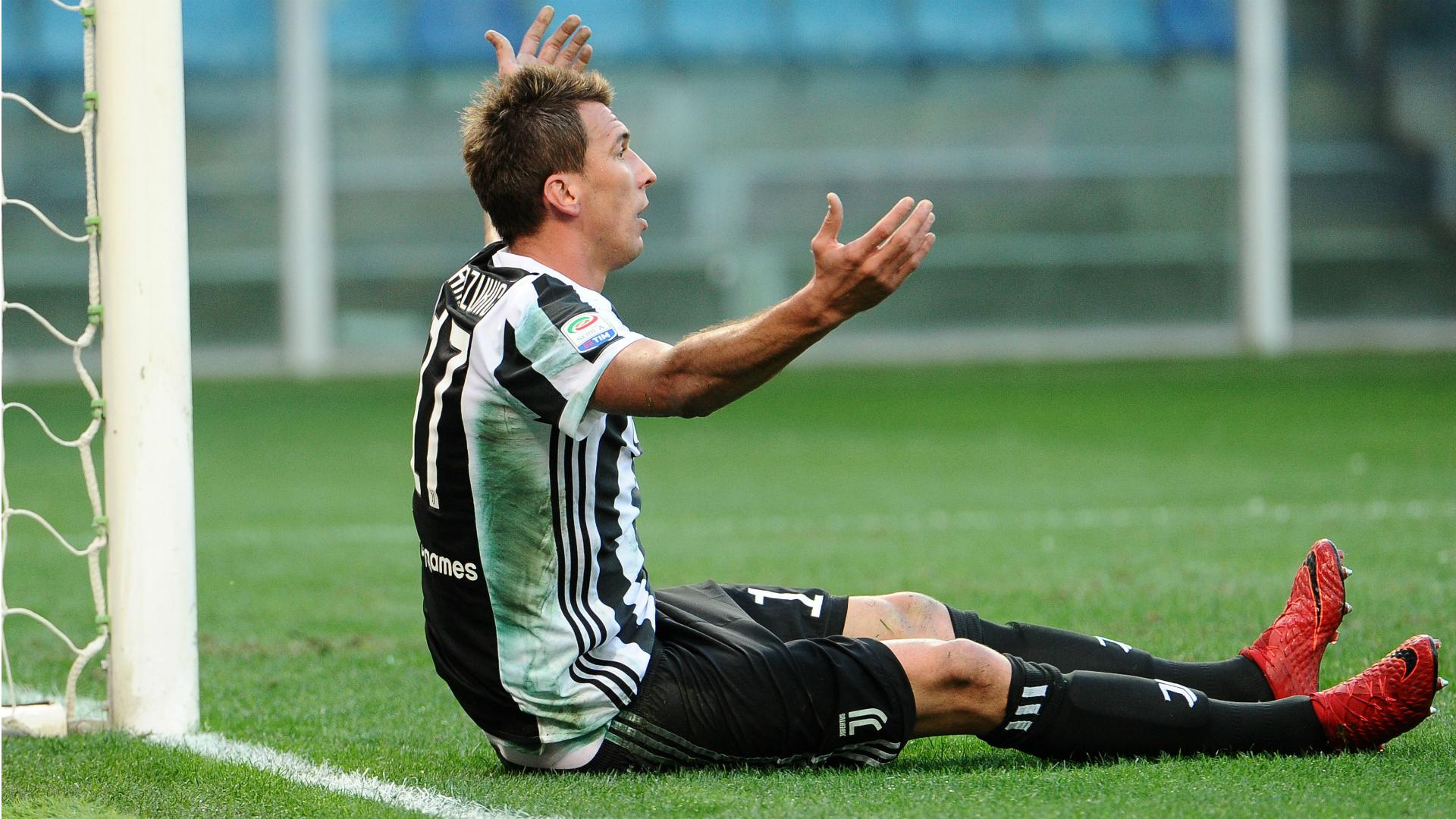 Napoli-Juve, i convocati bianconeri: ko Mandzukic e Howedes