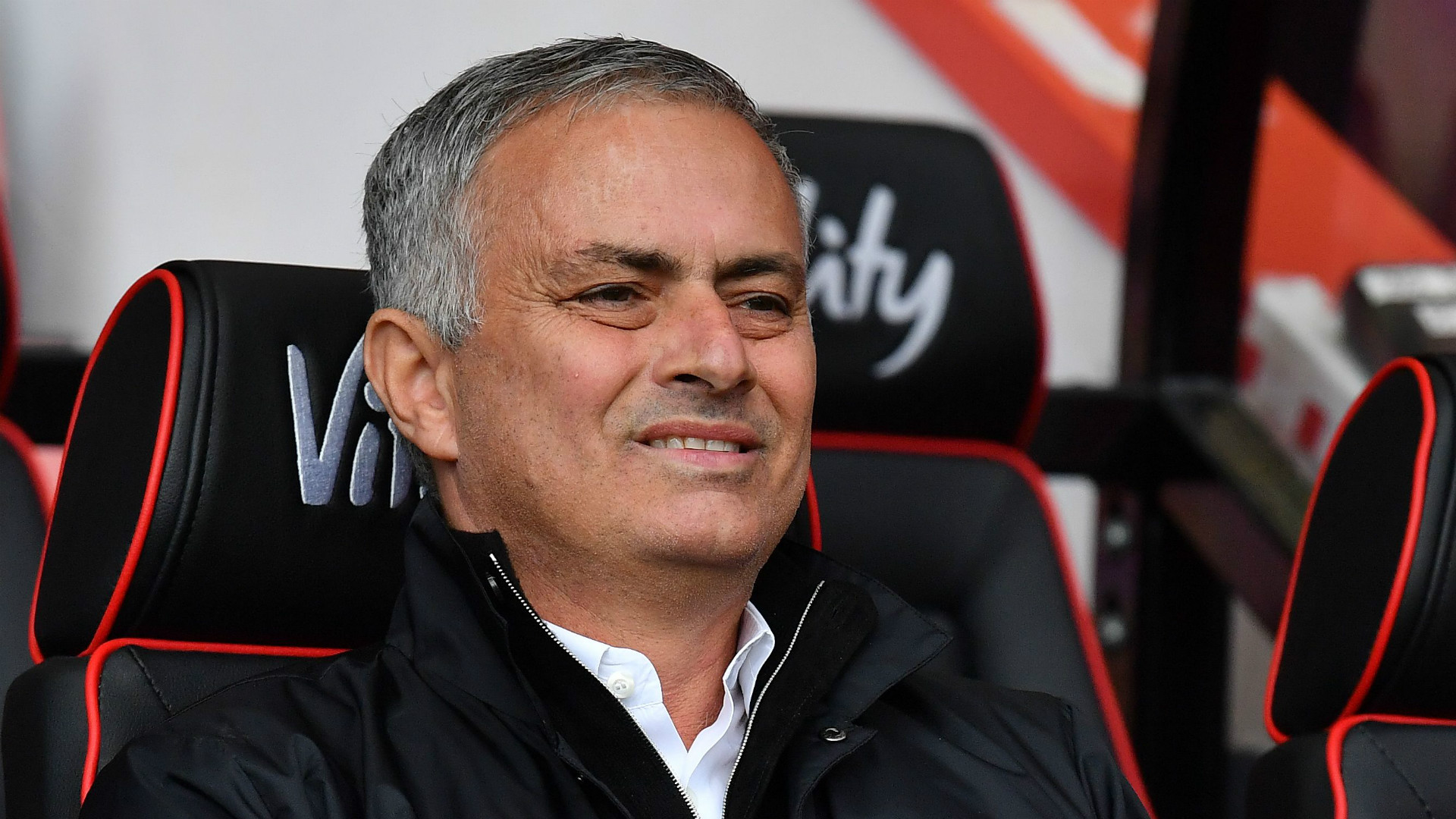 'Lucky' Manchester United giving Mourinho white hair