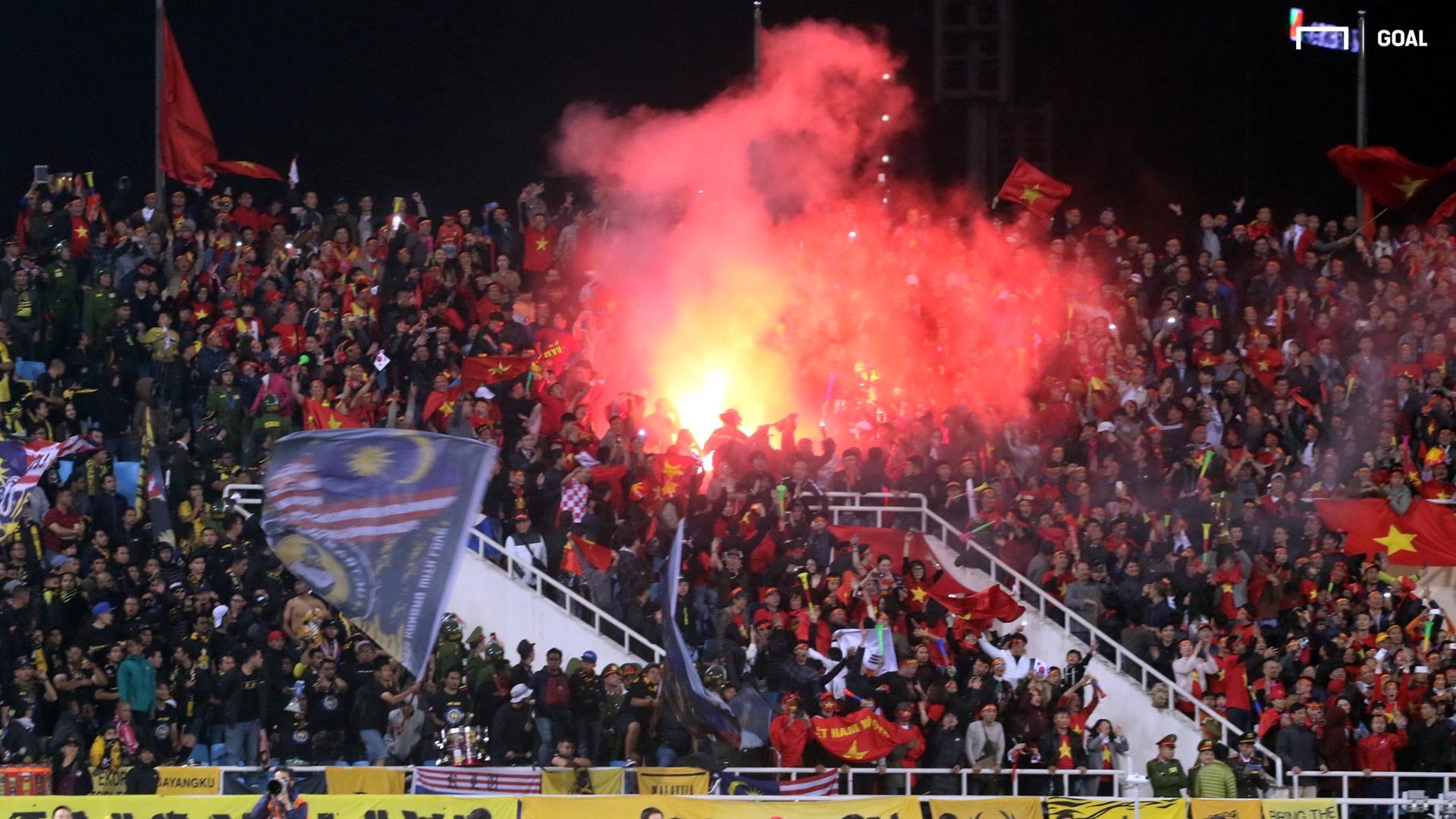 Flares Vietnam Malaysia AFF Cup 2018 final