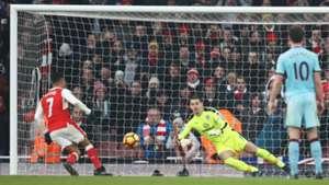 Sanchez penalty Arsenal Burnley