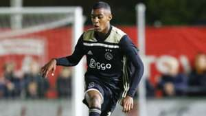 Ryan Gravenberch Ajax 2018-19