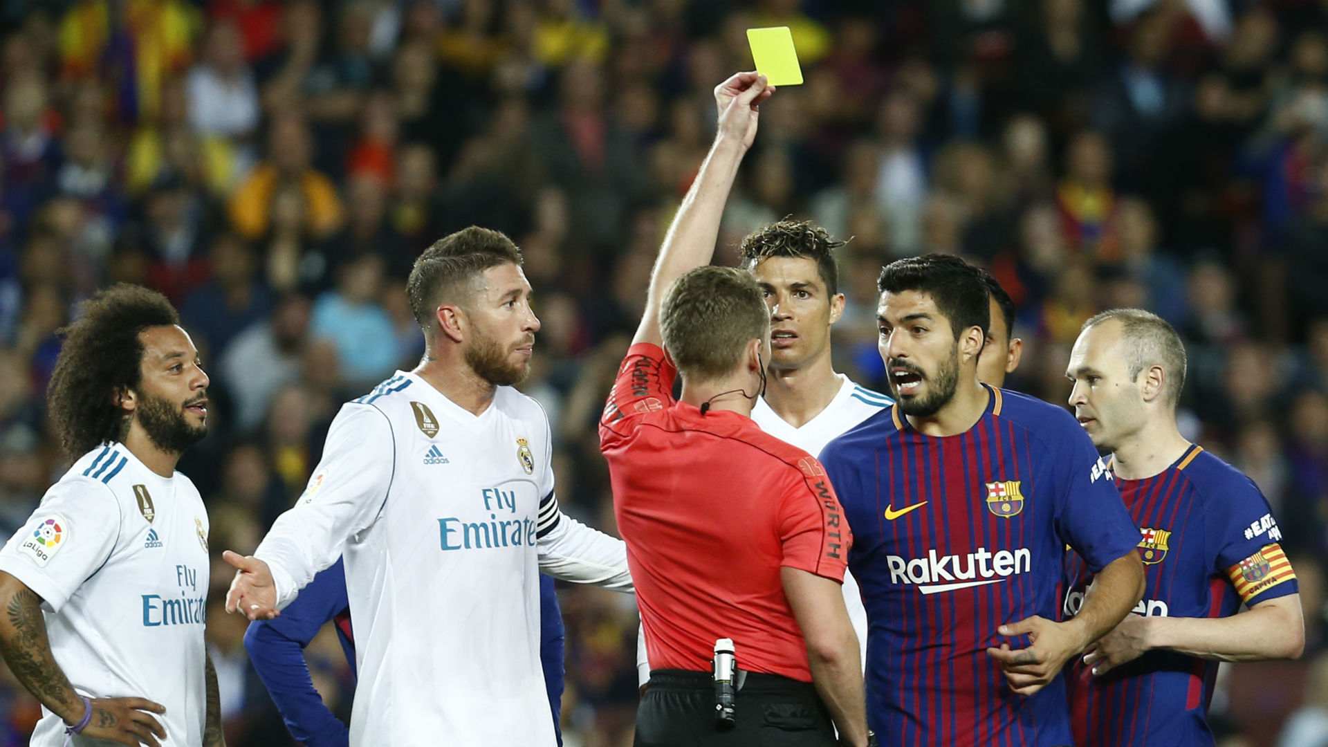Real Madrid Barcelona Luis Suarez yellow card