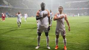 Bafetimbi Gomis Garry Rodrigues Galatasaray celebration 332018