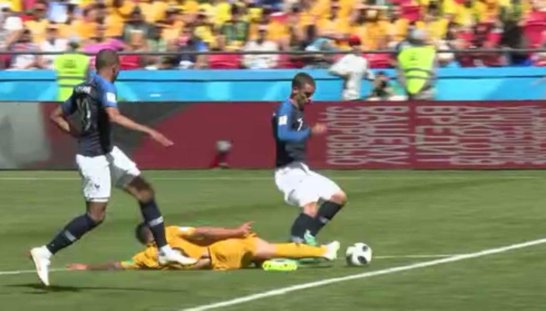 Penalti VAR Griezmann Francia Australia