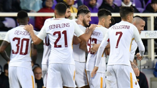 Roma celebrating against Fiorentina