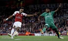 Pierre-Emerick Aubameyang & Artur Sérgio Batista de Souza - Arsenal v Vorskla