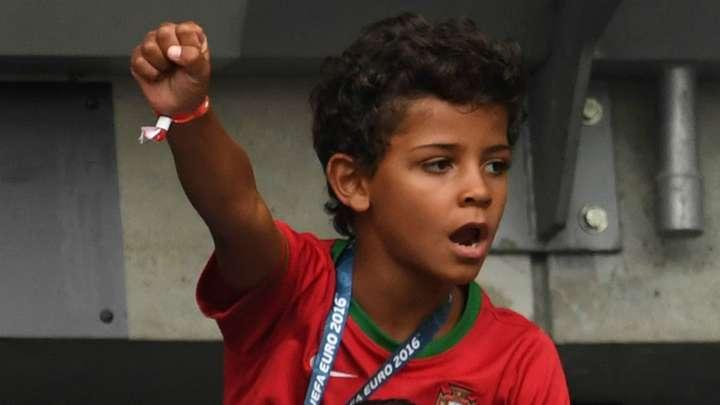 Transfergerucht Sporting Cp Will Cristiano Ronaldos Sohn