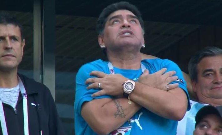 Maradona gol Messi