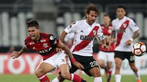 Lucas Paqueta Leonardo Ponzio Flamengo River Plate 28022018 Copa Libertadores