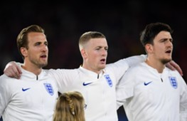 England players sing national anthem