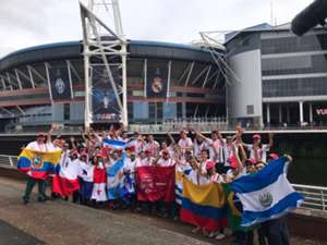 Fans latinos en Cardiff - UCL/Nissan