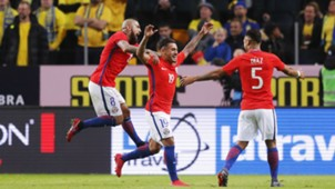 240318 Paulo Díaz - Arturo Vidal - Marcos Bolados Chile Suecia