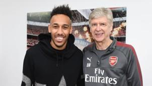 Dari Chamakh Hingga Aubameyang - Berikut Pemain Afrika Yang Bermain Untuk Arsenal