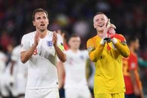 Kane & Pickford cerebrating win against Spain